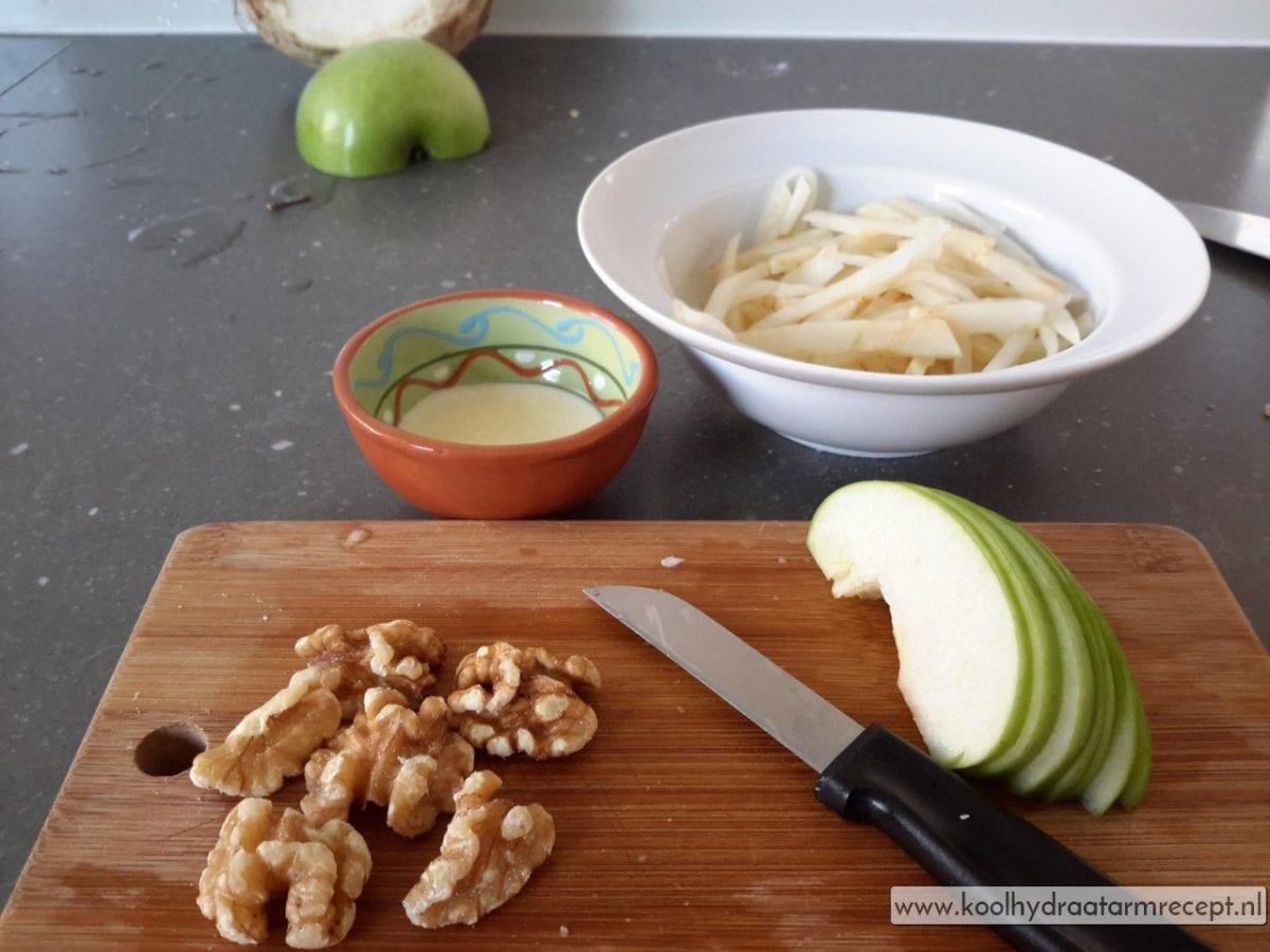 Klassieke waldorfsalade - Serveren eiland keuken ...