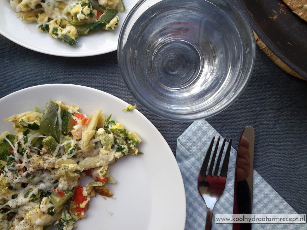 Snel groenten ontbijt: roerei of frittata