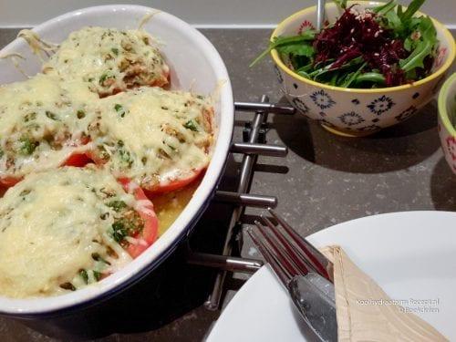 gevulde tomaten uit de oven