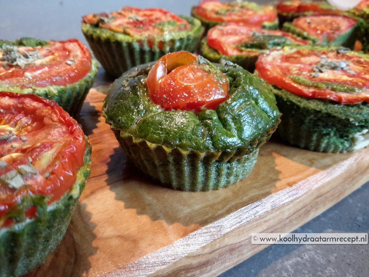 Spinazie muffins met tomaat