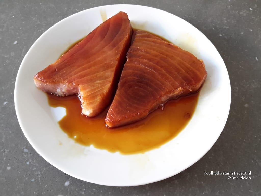 tonijn met courgette en muntsaus