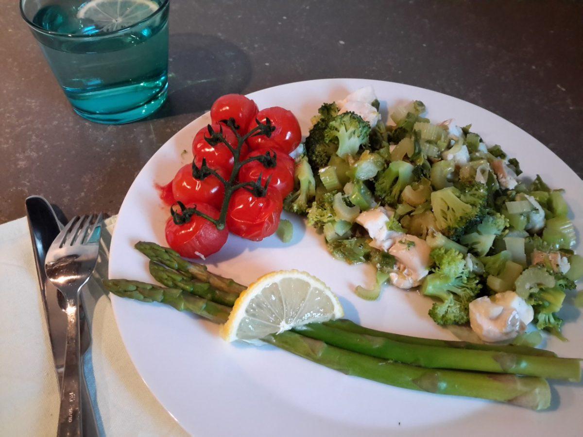 Gestoomde groente met kabeljauw