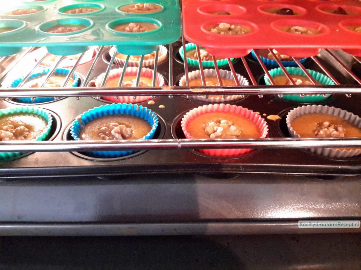 zoete pompoenmuffins met walnoot