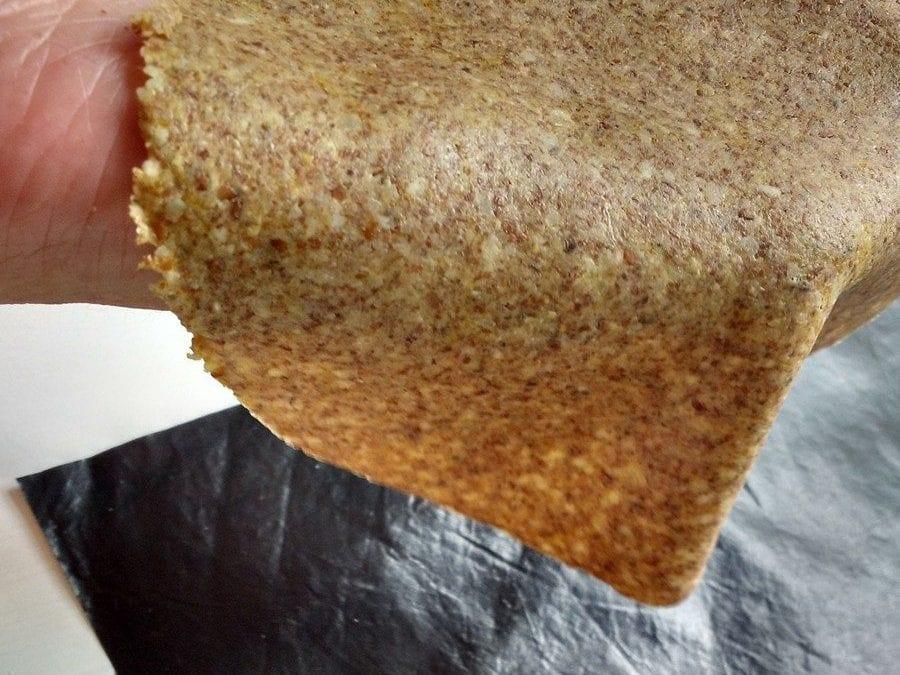 koolhydraatarme tortilla taco nachochips, tortilla flexibel in hand