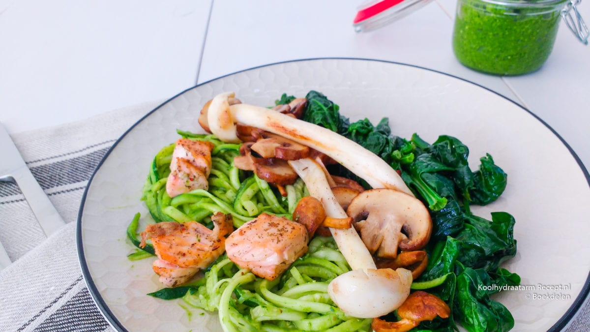courgetti met spinazie dillepesto