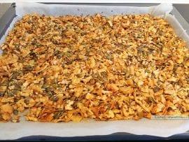 homemade granola, goudgeel gebakken