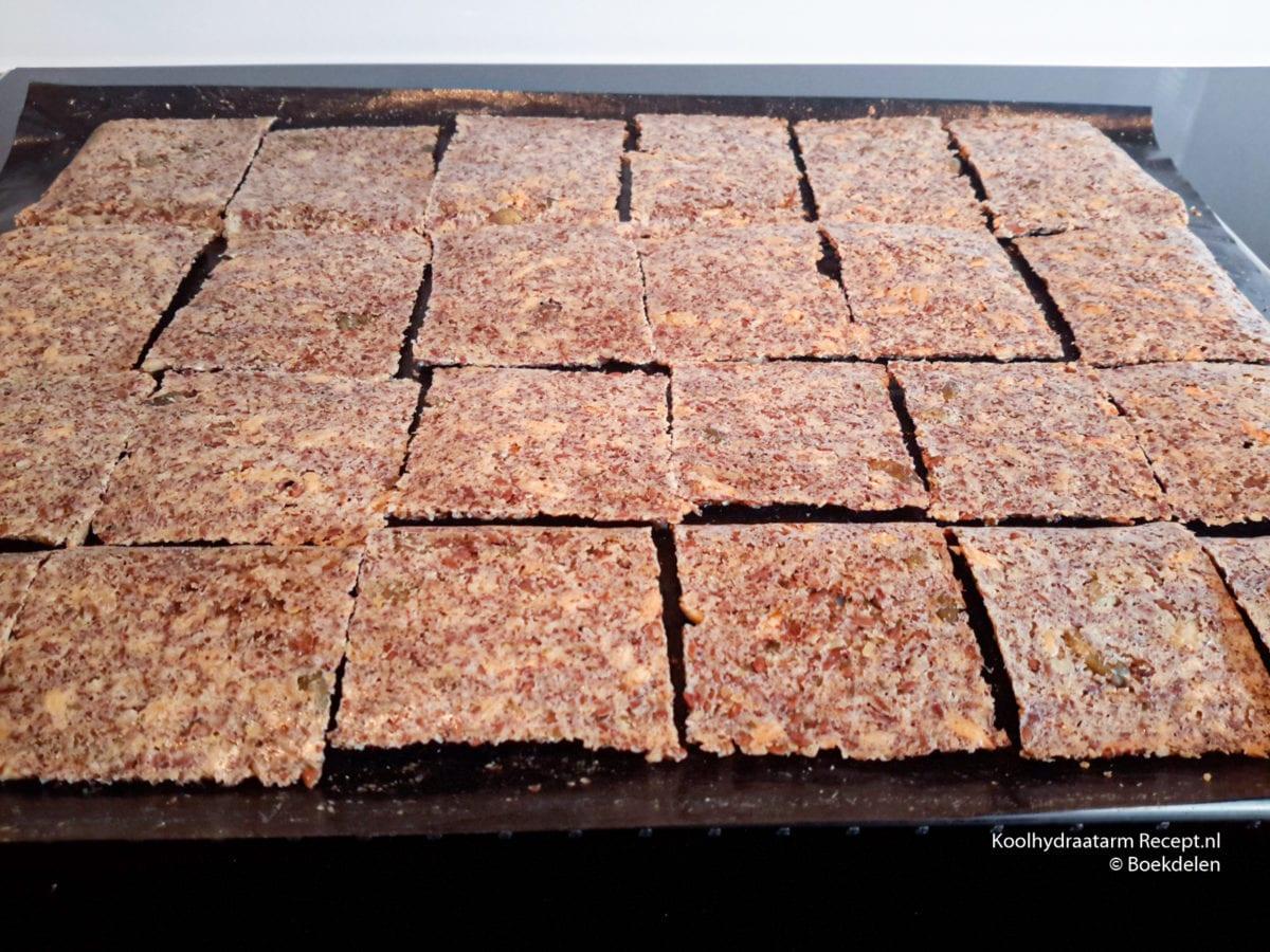 koolhydraatarme lijnzaadcrackers met pitten