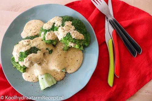 broccoli met mosterd-kaassaus