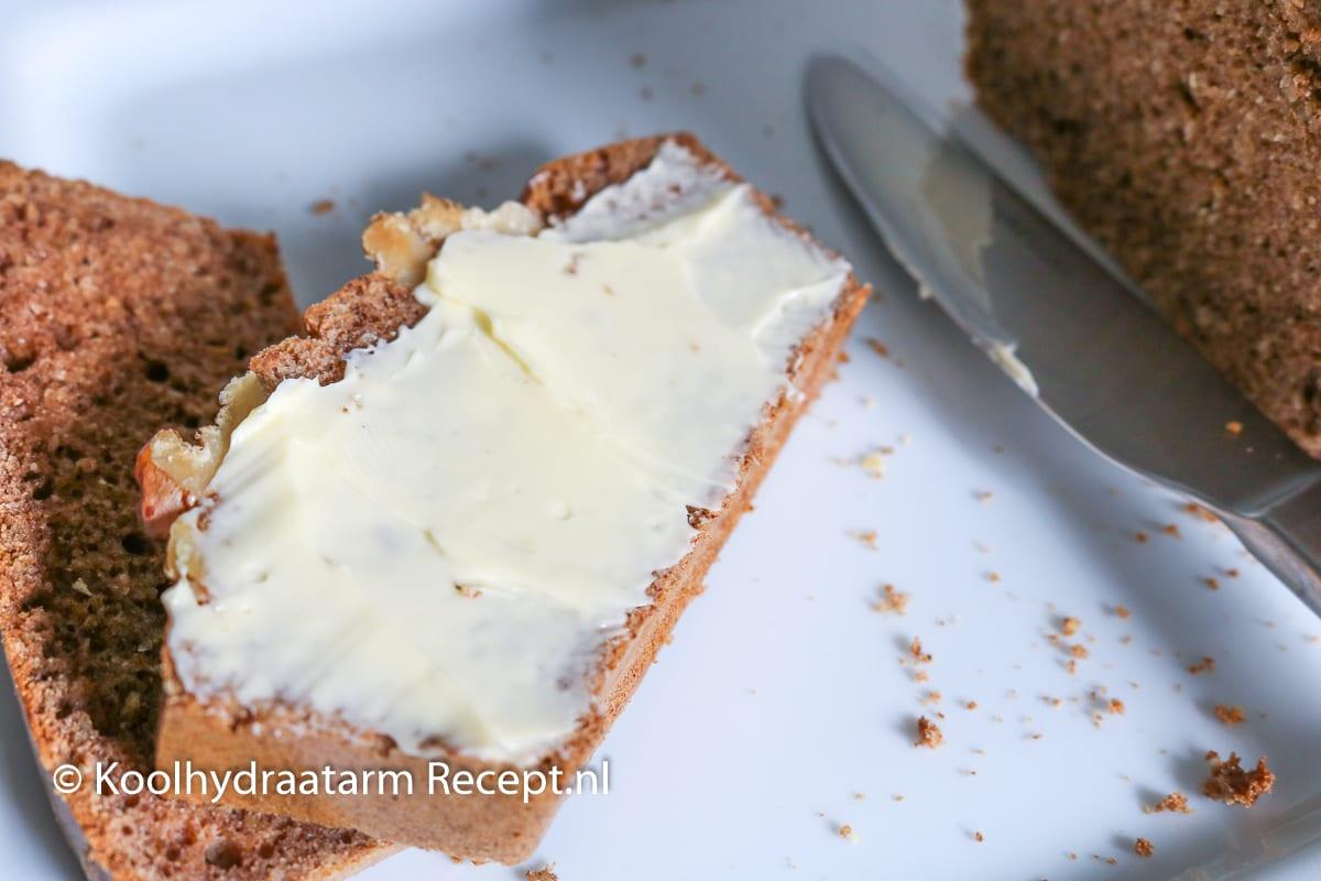 peperkoek met walnoten - lowcarb ontbijtkoek