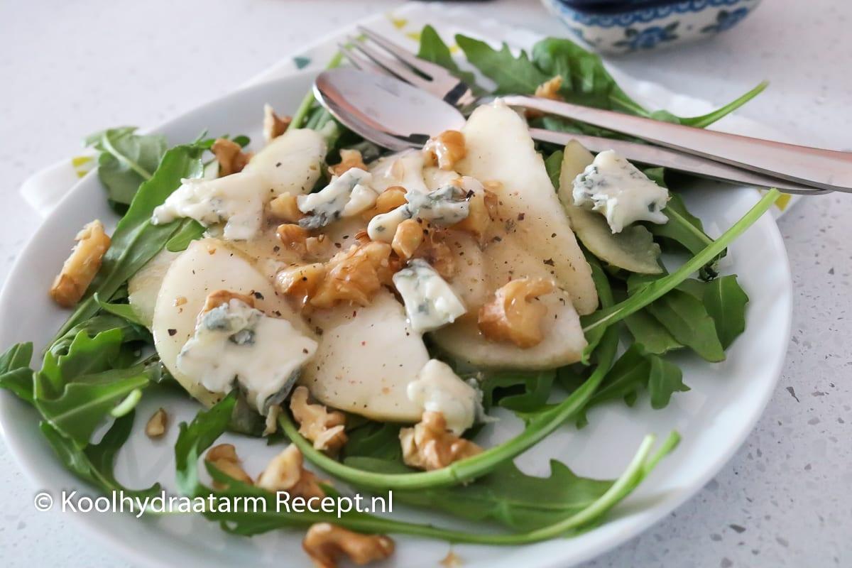 peer met gorgonzola en zoete dressing