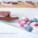 koolhydraatarme chocoladetaart met rood fruit