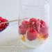 hangop met rood fruit en sweet pink