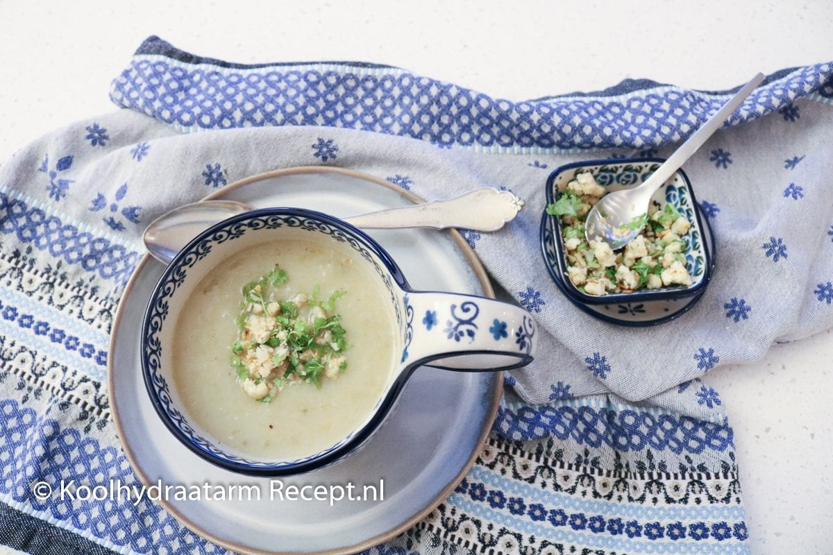 witlofsoep met blauwe kaas