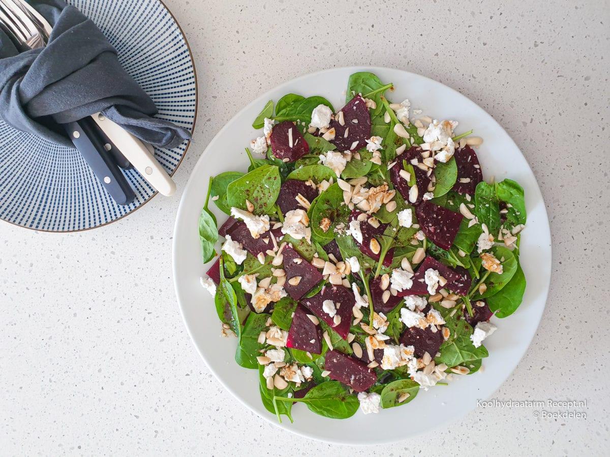 spinazie salade met rode biet