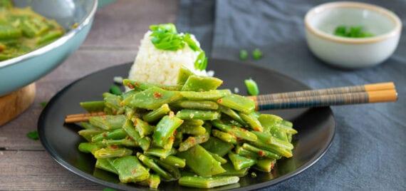 thaise snijbonen met bloemkoolrijst