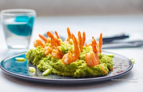 koolhydraatarme broccolipuree met garnalen